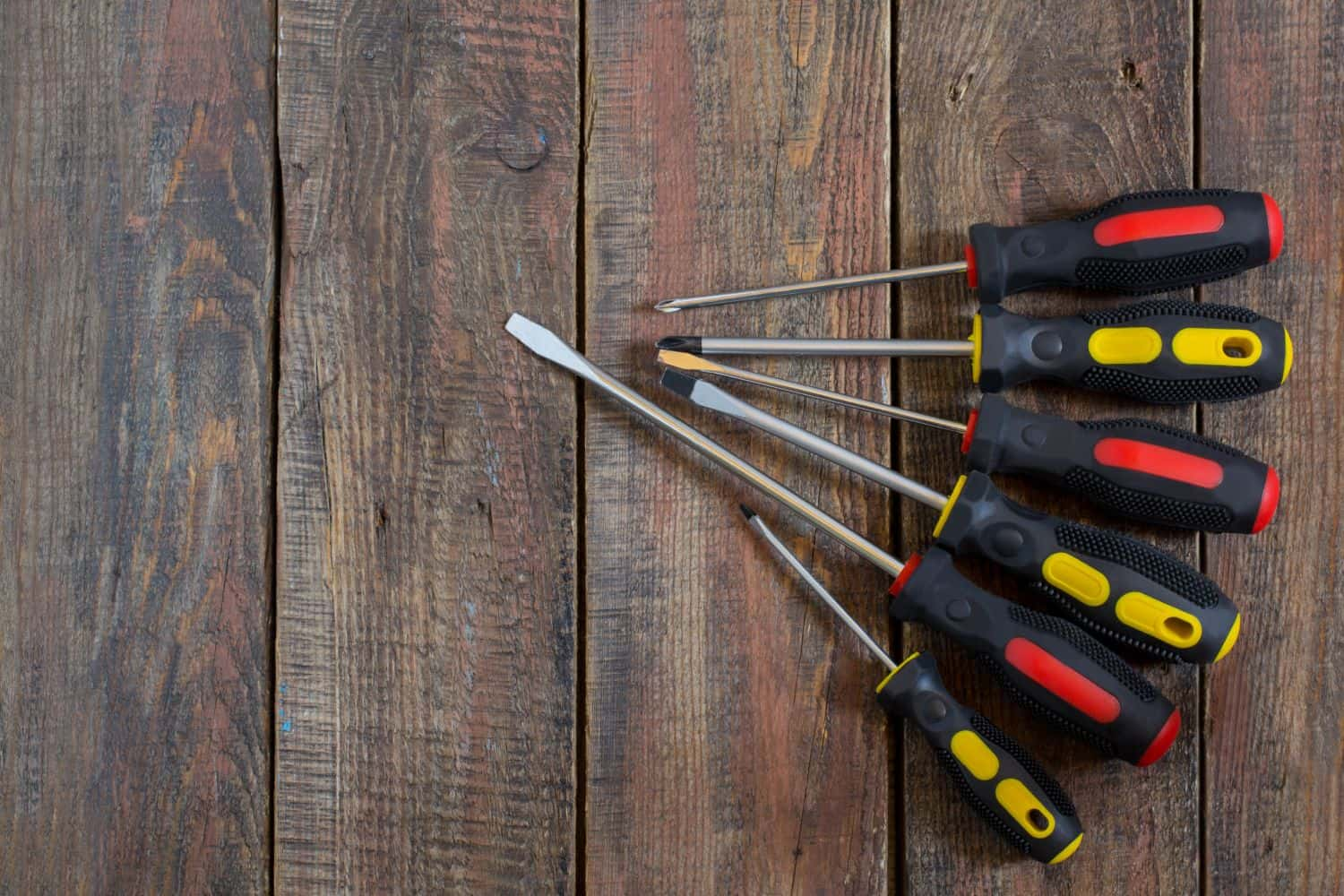 10 of the Handiest Screwdriver Sets to Fix Everything at Home or at Work in 2018