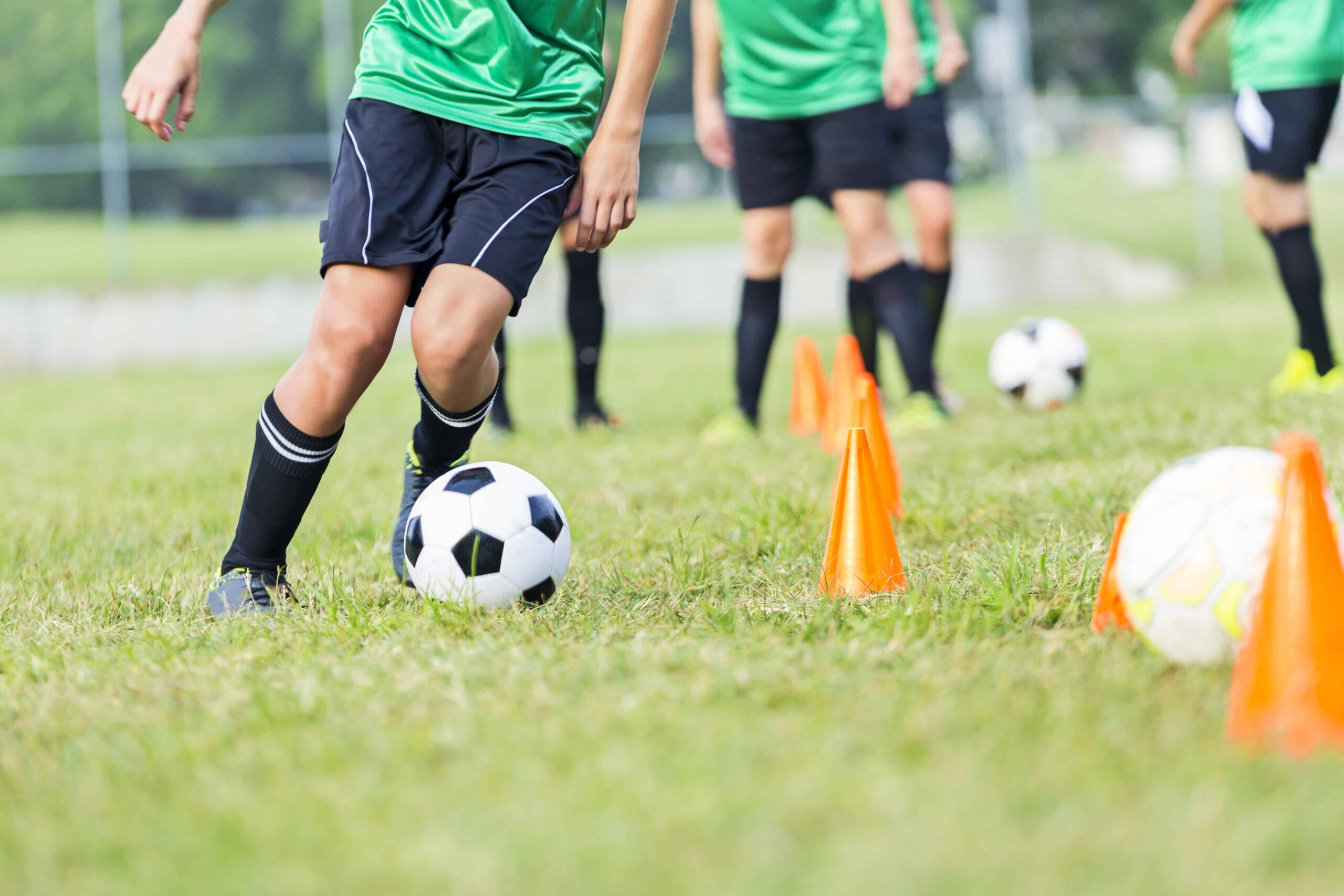 10 Leading Soccer Ball Reviews For Your Ultimate Play Experience In 2021