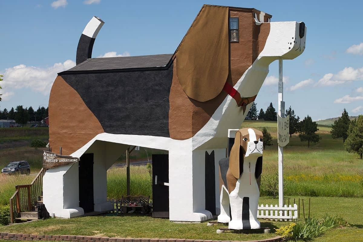 Dog Bark Park Inn B&B