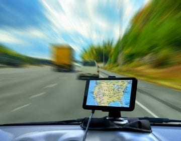 8 Choice Truck GPS Reviews – Buying the Right GPS for Your Driving Requirements in 2018