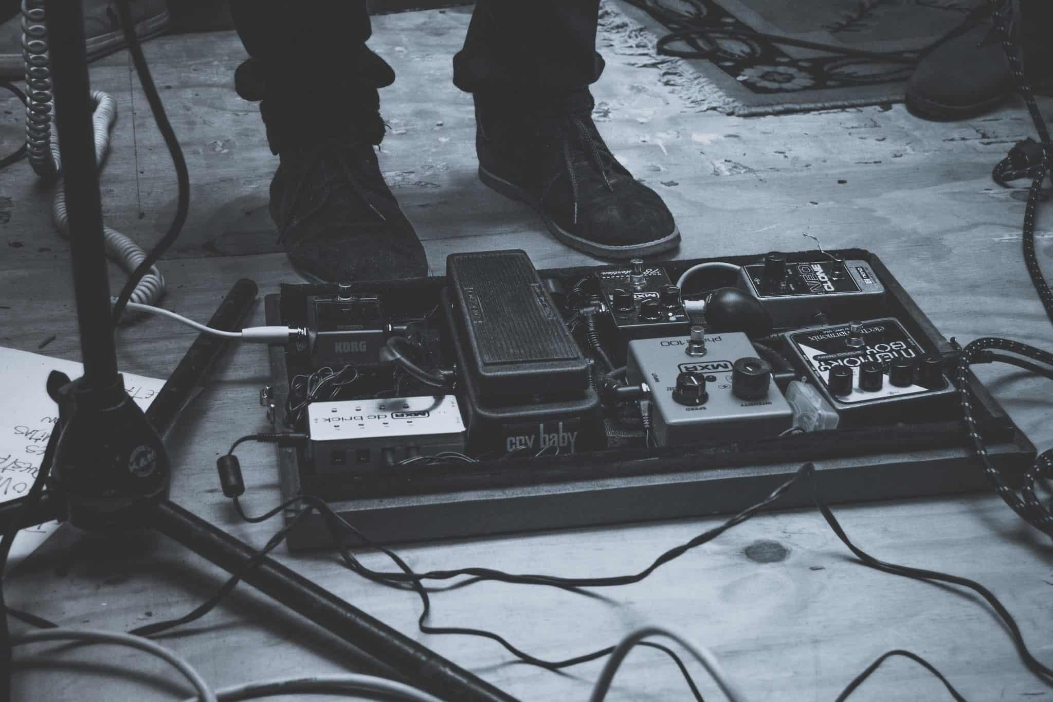 10 Versatile Looper Pedal Reviews – Play It Again in 2021