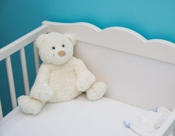 10 Safe and Solid Baby Crib Reviews — Let Your Bundle of Joy Sleep Soundly in 2021