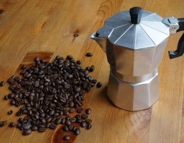 6 Ace Stovetop Espresso Maker Reviews – Brew Like a Barista in 2021