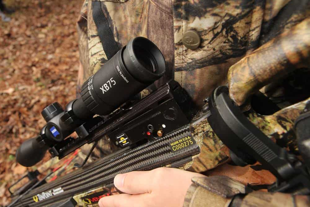 10 Well-Aimed Crossbow Scope Reviews – Be A Sharpshooter In 2018