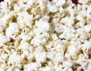 8 Popular Popcorn Kernel Reviews – Get The Perfect Pop in 2018